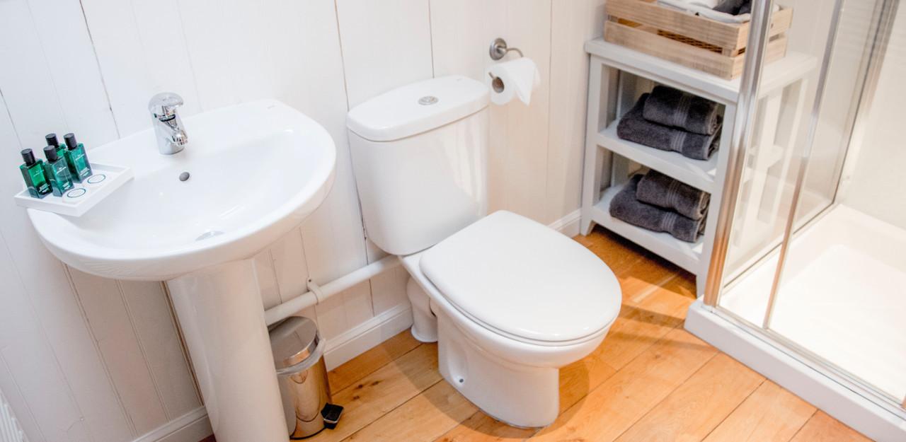 127 Seatown Holiday Cottage Bathroom